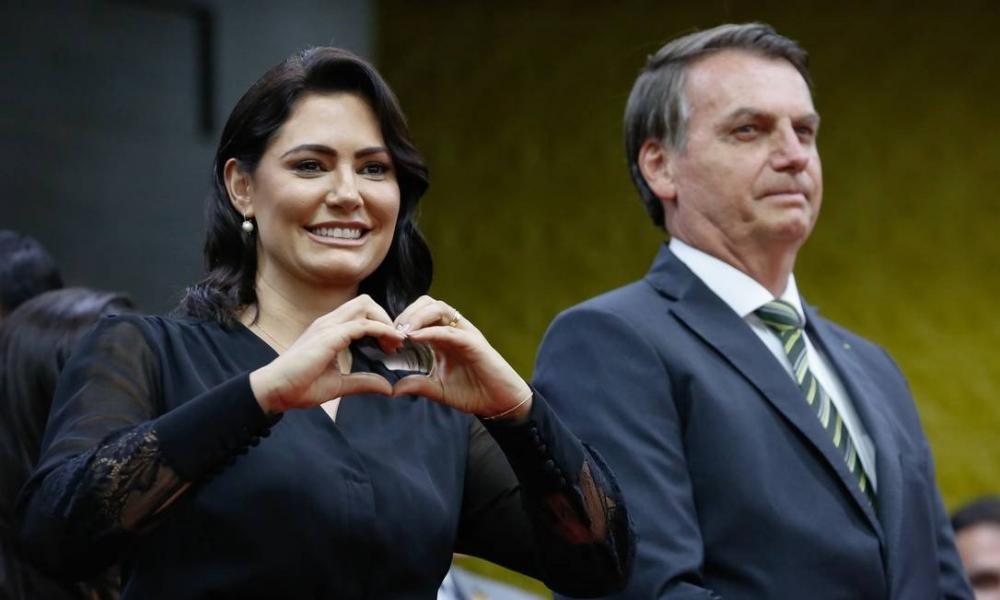 $ 7,5 milhões destinados para compra de testes para a COVID-19 são repassados a programa social liderado por Michelle Bolsonaro